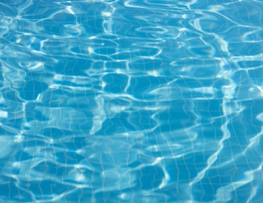 Eau de piscine clair